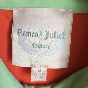 Romeo & Juliet Couture Tops - Romeo & Juliet Couture Coral Green Top Size M